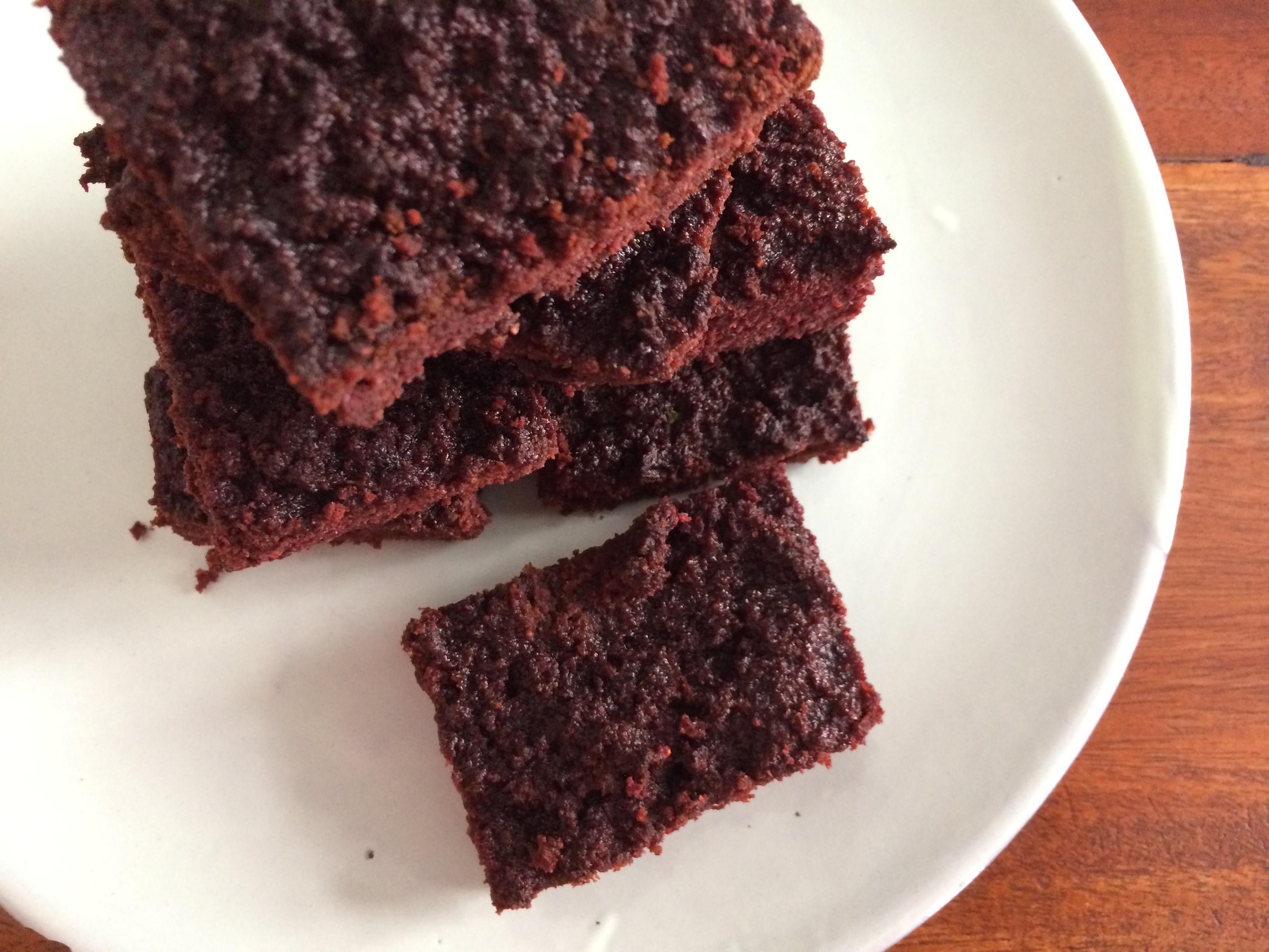 Rote Beete Brownies (nussfrei, glutenfrei)