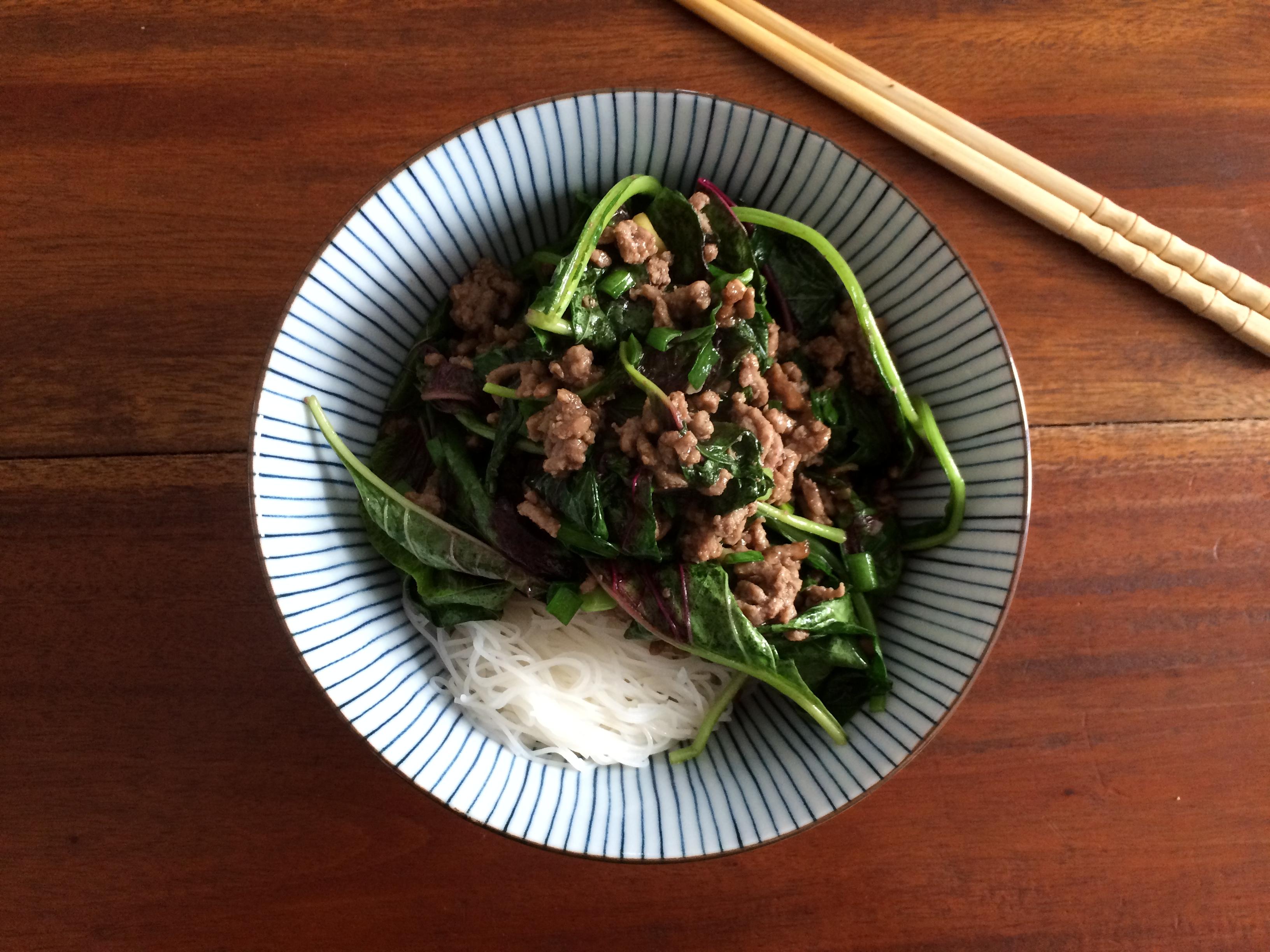 Schnelles chinesisches Spinat-Rind